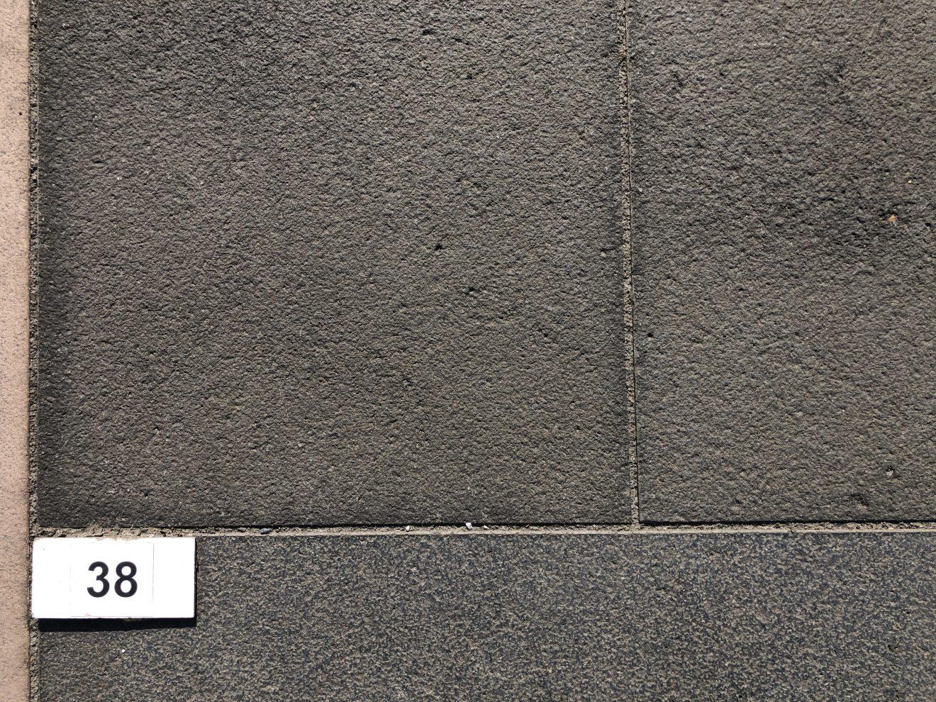 Bodenplatte Kerala Basalt